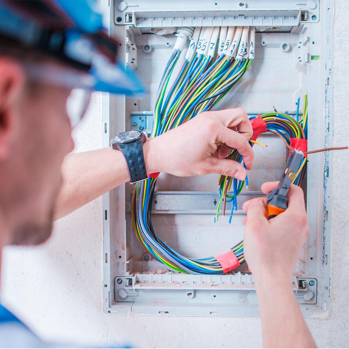 Reparación de averías eléctricas en Madrid, Colmenra Viejo